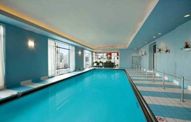 Hilton Suites Chicago/Magnificent Mile - Hotel - 10