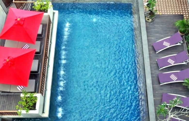 Horison Hotel Seminyak Bali - Pool - 2