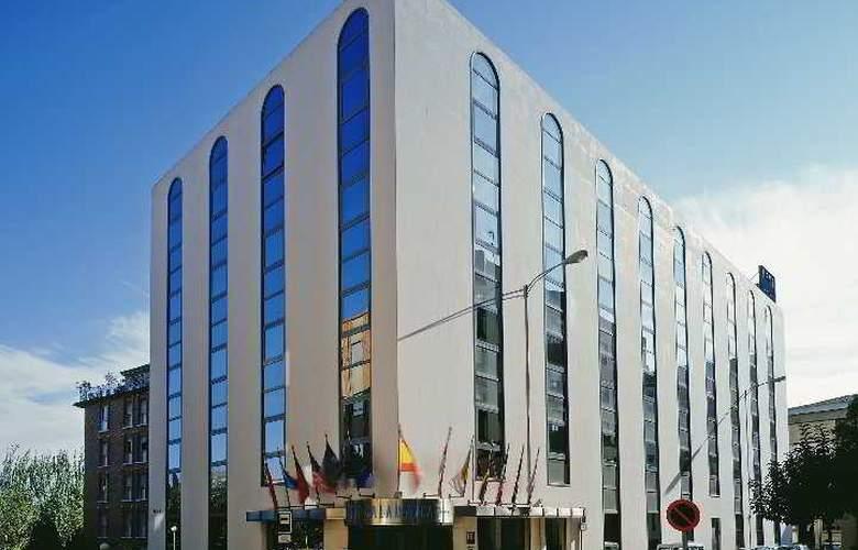 Exe Salamanca - Hotel - 1