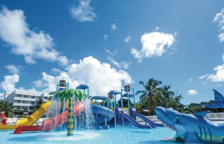 Riu Naiboa - Pool - 17