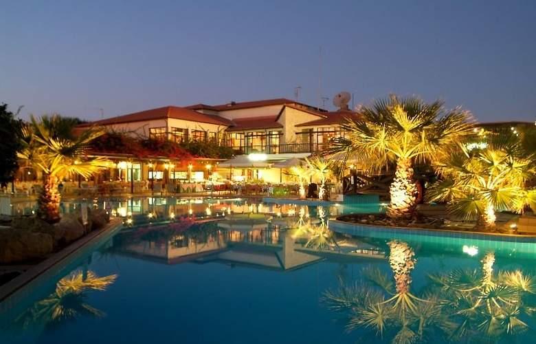 Kermia Beach Bungalow Hotel - Hotel - 5
