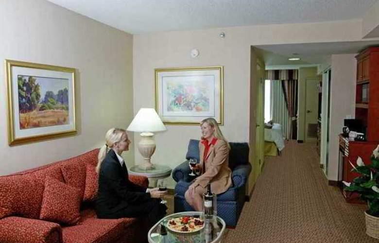 Hilton Garden Inn Toronto Oakville - Hotel - 16