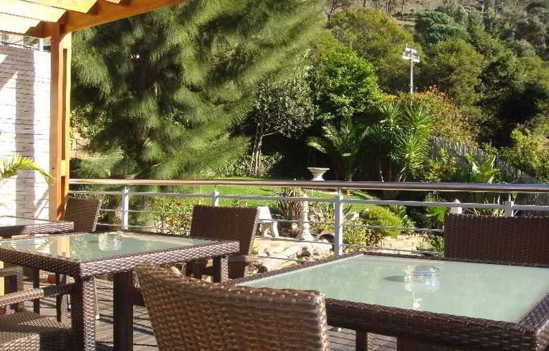 Signal Hill Lodge - Terrace - 22