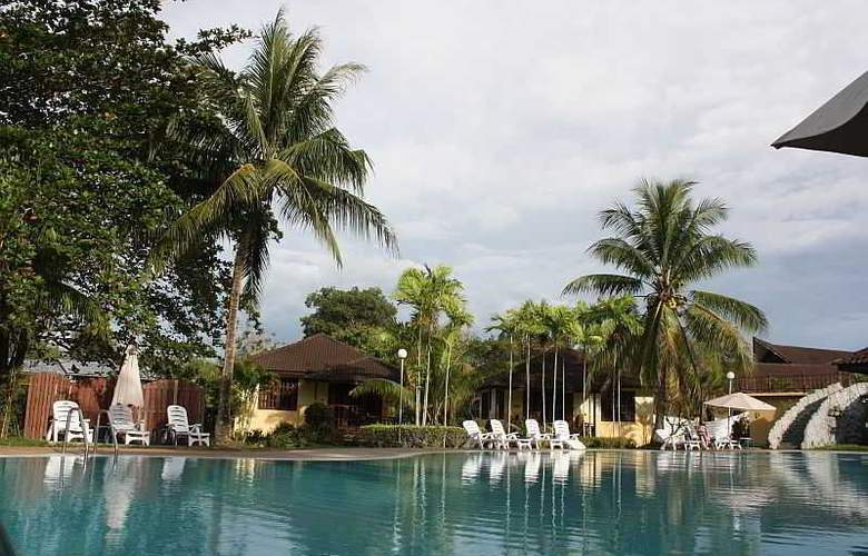 Beringgis Beach Resort & Spa - Pool - 32