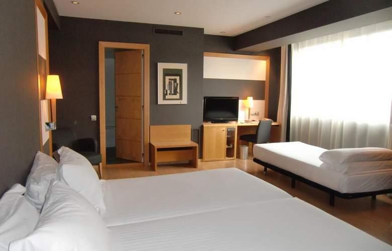 Barcelona Universal - Room - 44
