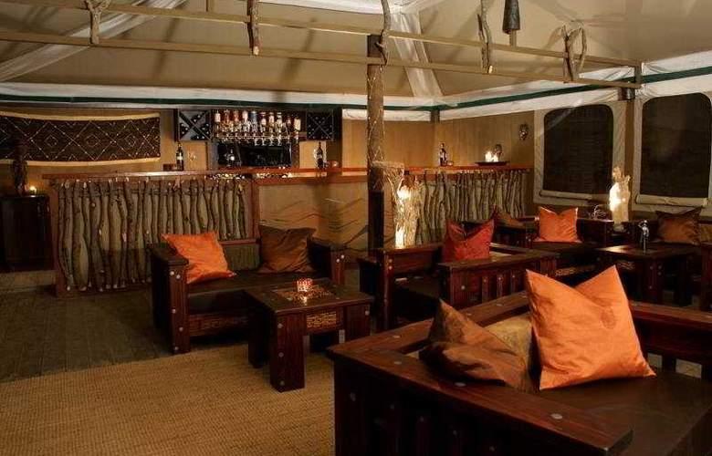 Moon Mountain Lodge - Bar - 4
