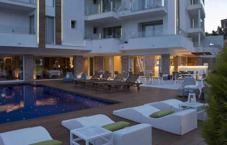 Melbeach Hotel & Spa - Pool - 14