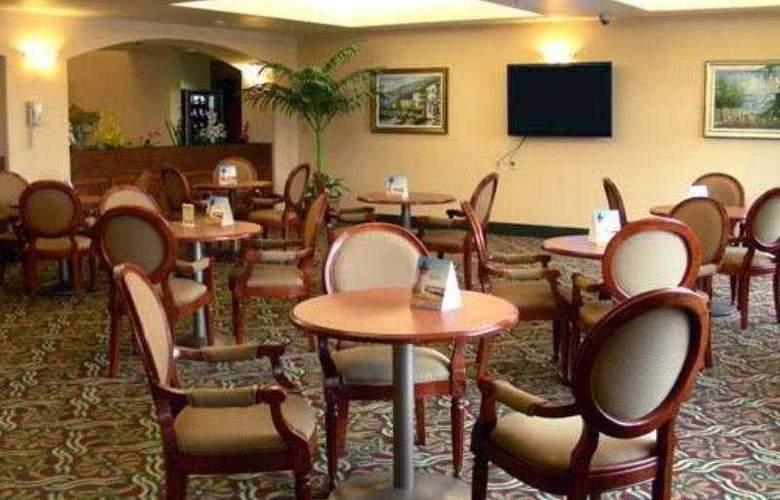 Sleep Inn & Suites - Restaurant - 6