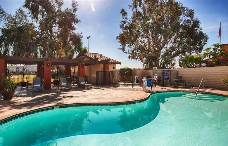 Best Western Americana Inn - Pool - 63