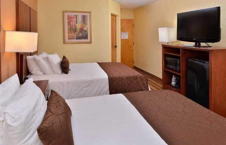 Best Western Plus Richmond Airport Hotel - Hotel - 32
