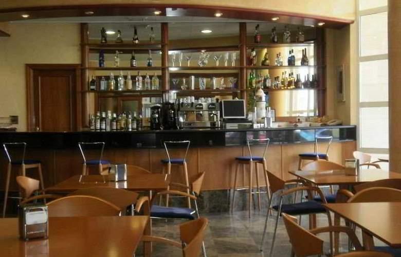 Bartos - Bar - 1