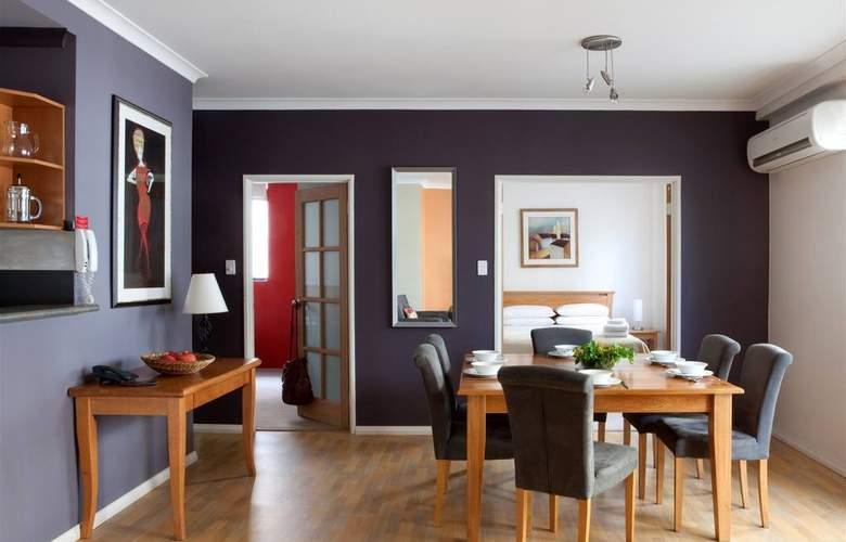 Mont Clare Boutique Apartments - Room - 7