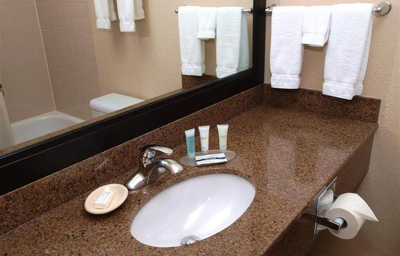 Best Western Pembina Inn & Suites - Room - 131