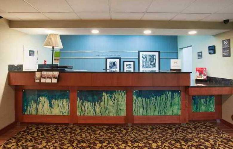 Hampton Inn Denver-North/Thornton - Hotel - 1