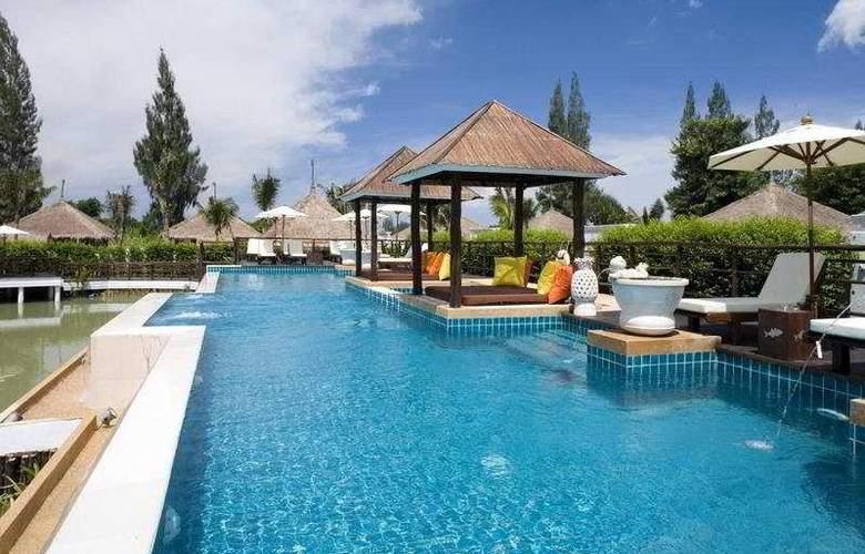 Dhevan Dara Resort & Spa - Pool - 4
