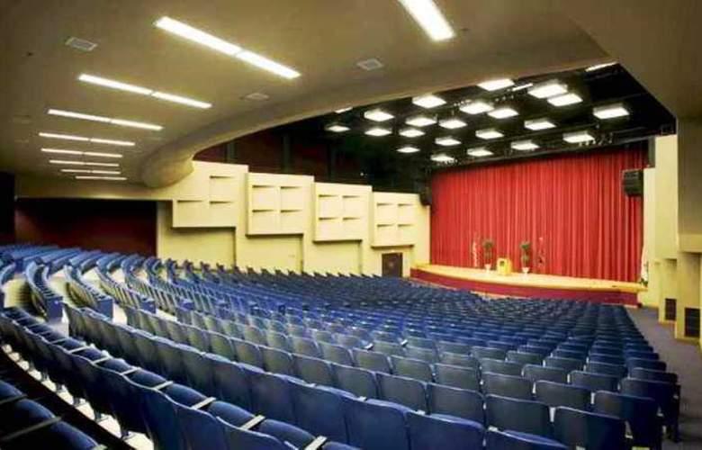 Hilton Garden Inn Corvallis - Conference - 11