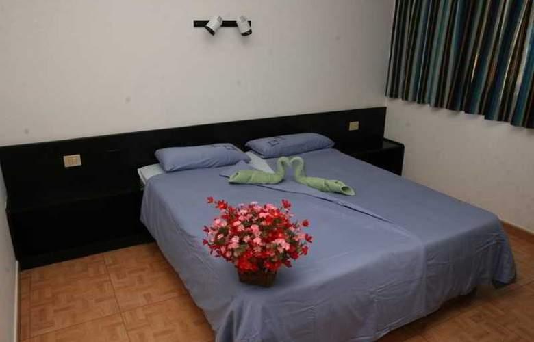 Apartamentos Alberto - Room - 5