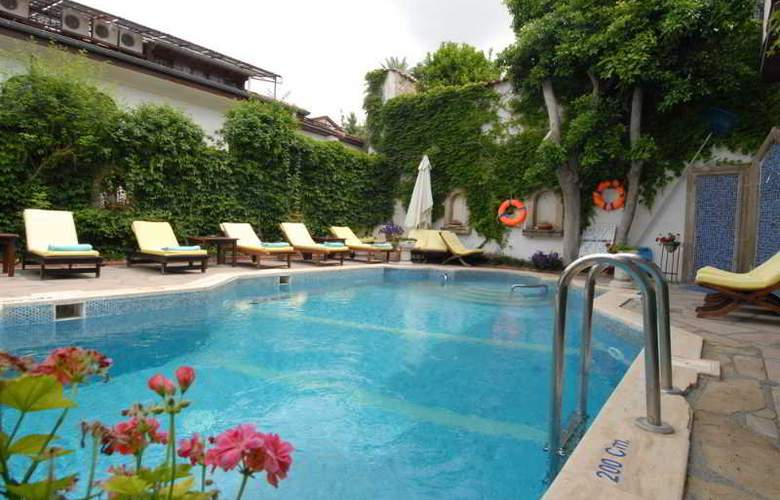 Aspen Boutique Hotel - Pool - 20