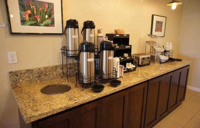 Best Western Plus Orchard Inn - Hotel - 3