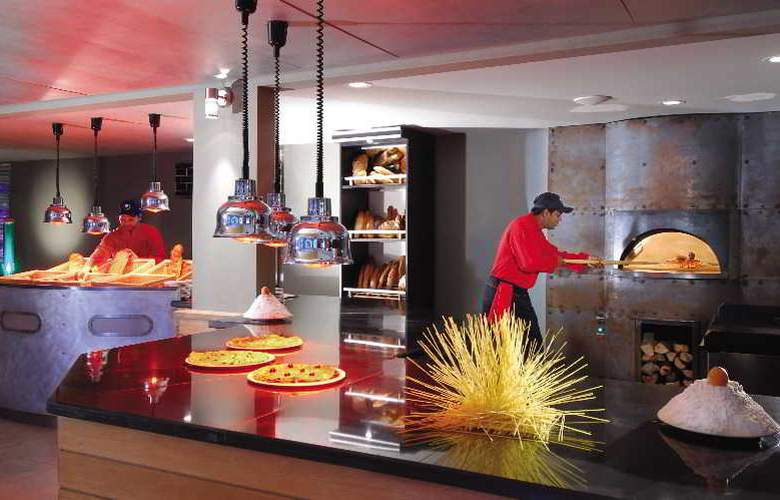 Mauricia Beachcomber Resort & Spa - Restaurant - 39