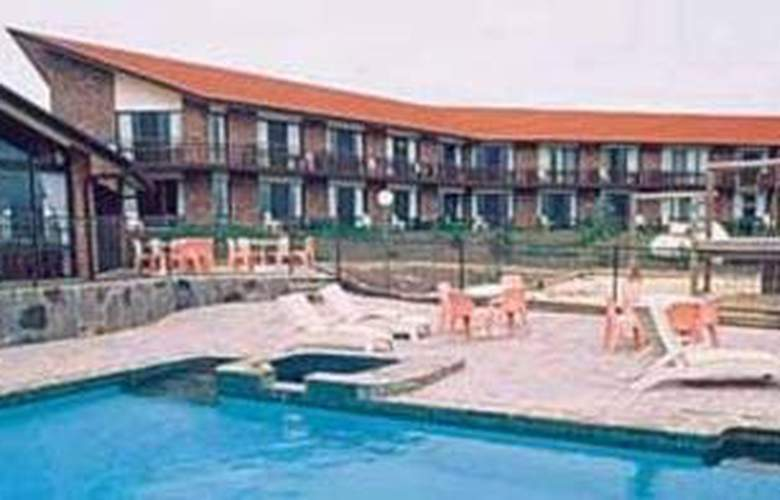 Comfort Inn Wisteria Lodge - Pool - 3