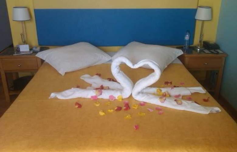 Hotel Maritur - Room - 8