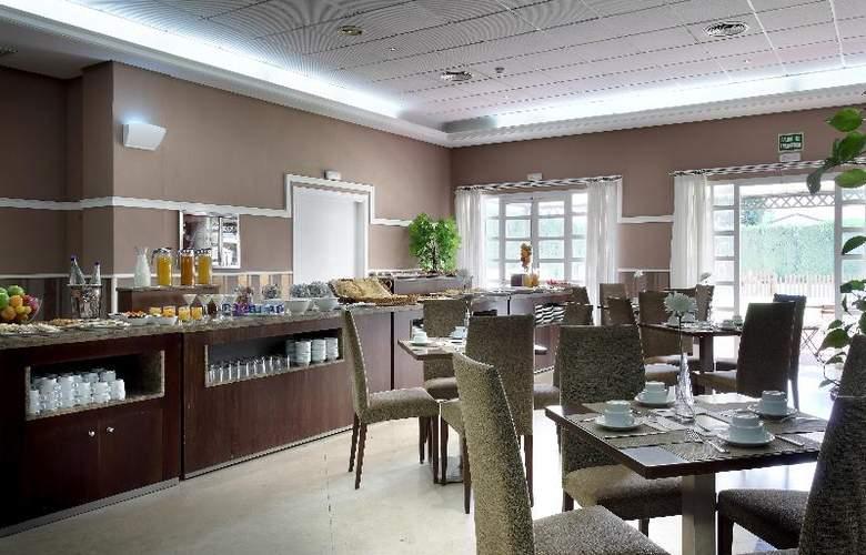 Exe Gran Solucar - Restaurant - 33
