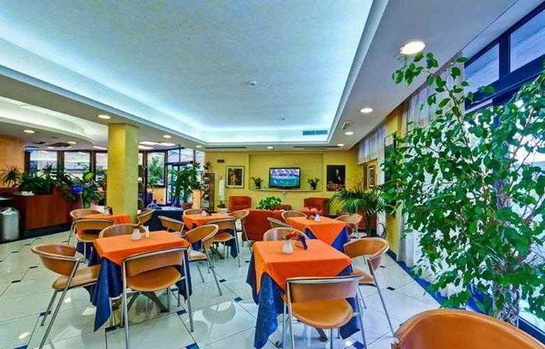 Best Western Blu Hotel Roma - Bar - 79