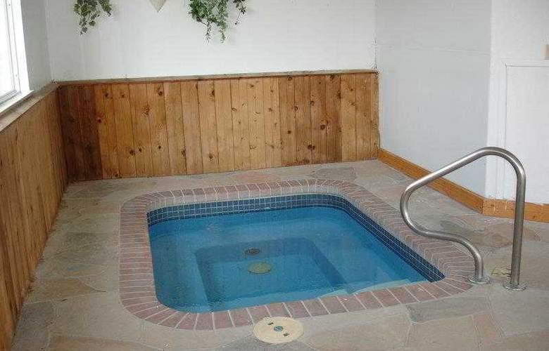 Best Western Teal Lake Inn - Hotel - 24