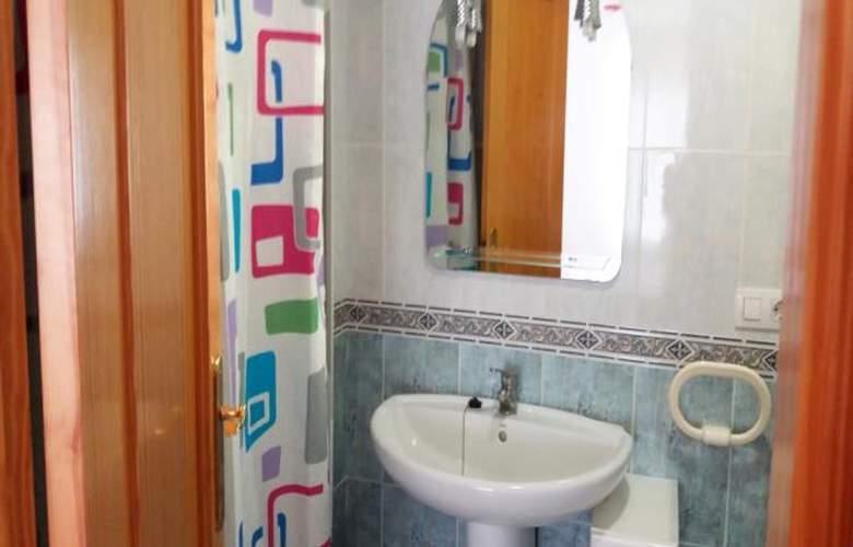 Apartamentos Oropesa 3000 Sin Piscina - Room - 5