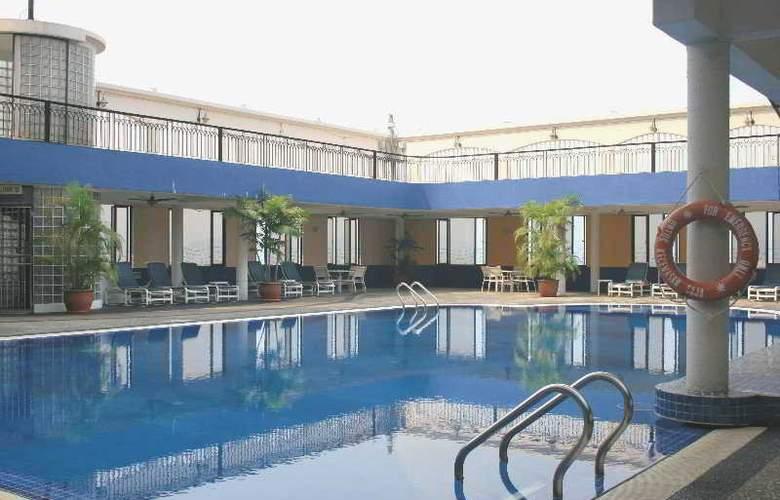 Dynasty Hotel Kuala Lumpur - Pool - 5