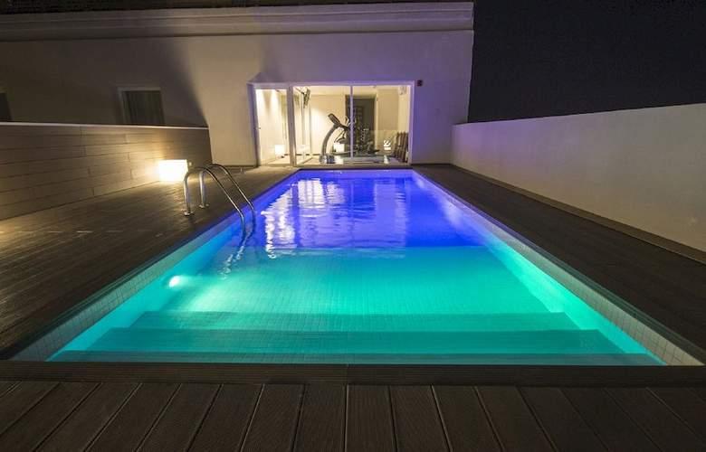 Salto Hotel & Casino - Pool - 12