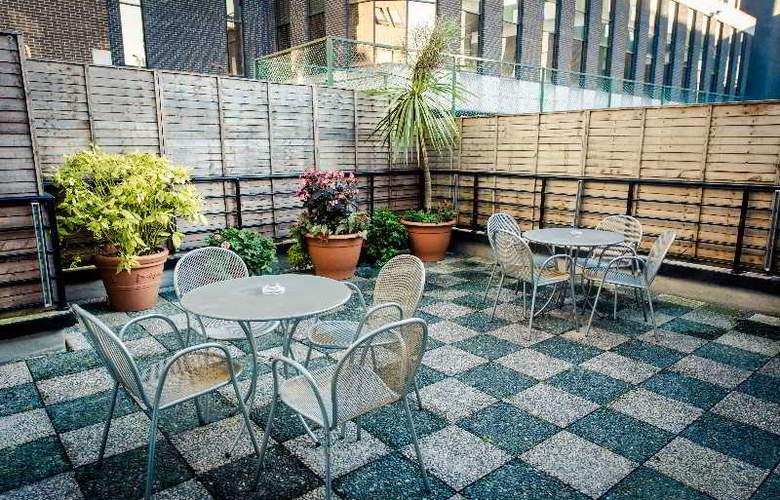 Dublin Central Inn - Terrace - 10