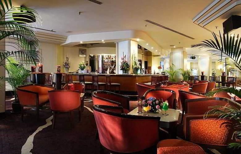 Miramar Singapore - Bar - 12