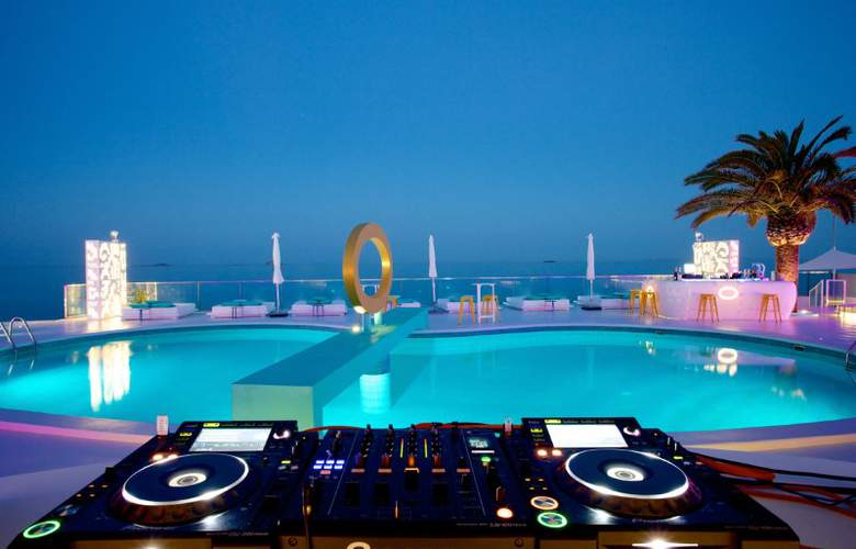 Santos Ibiza Coast Suites - Pool - 3