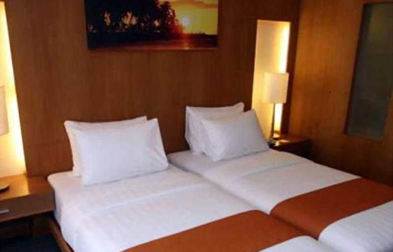 Crown Regency Beach Resort - Room - 5