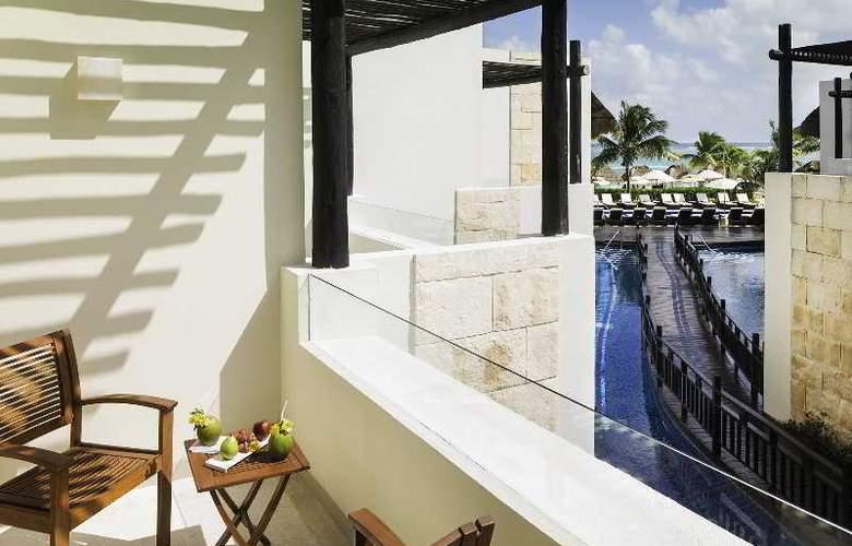 Azul Beach & Hotel Resort Gourmet All Inclusive - Terrace - 10