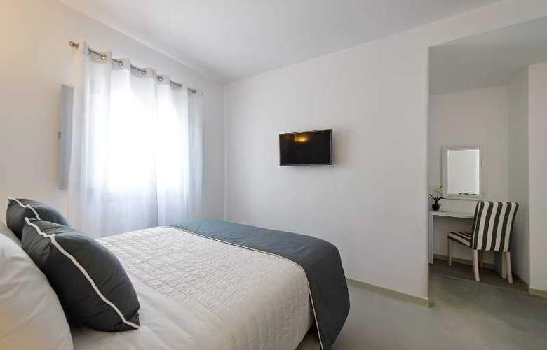 Central Fira Hotel - Room - 19