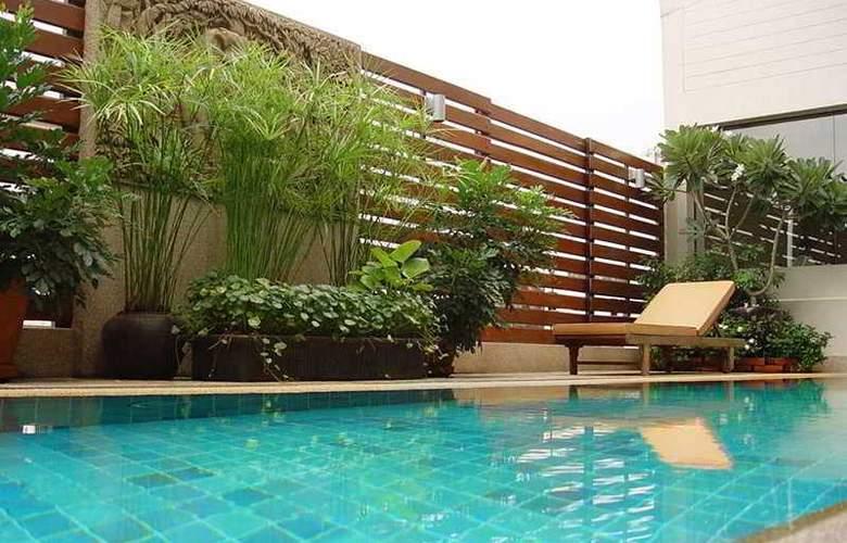 Bossotel Inn Bangkok - Pool - 4