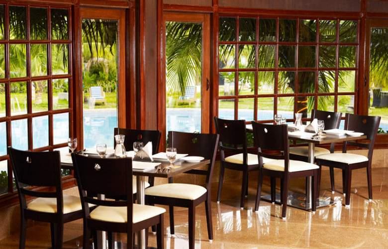 Citrus Hotels Sriperumbudur - Restaurant - 4