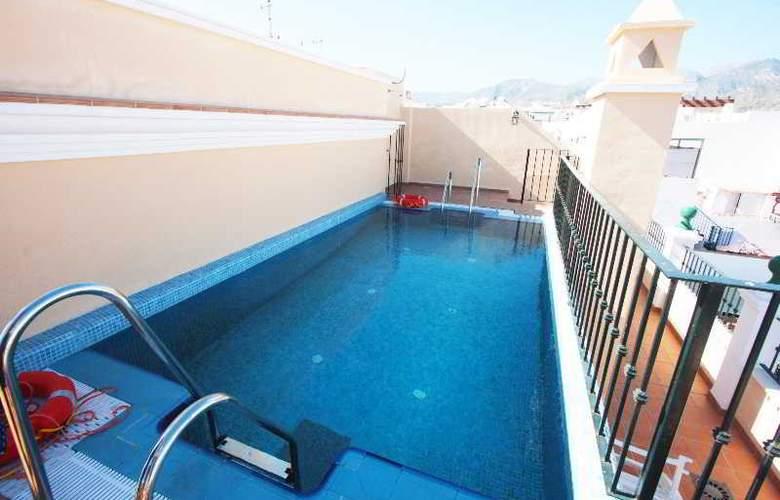 Nerjaluna - Pool - 1