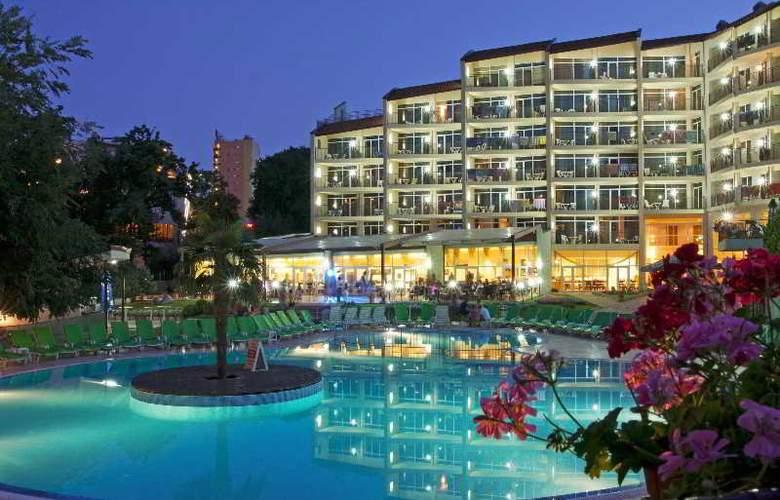 Smartline Madara - Hotel - 9