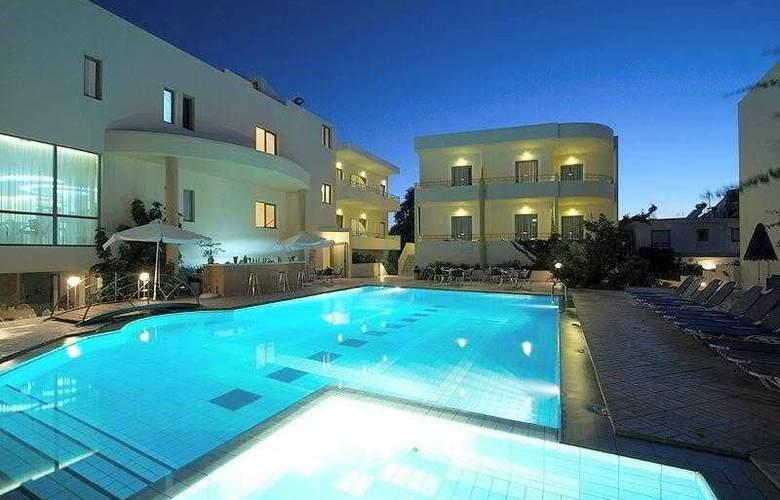 Yakinthos - Hotel - 0