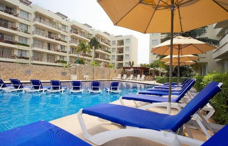 Ixchel Beach Hotel - Pool - 21