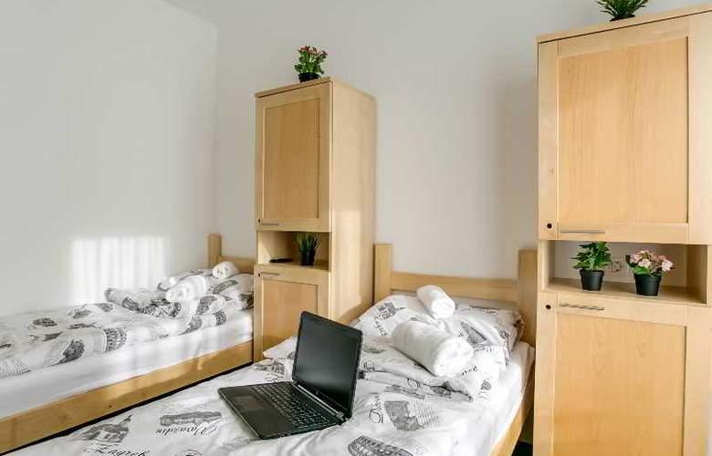 Hostel Moving - Room - 24