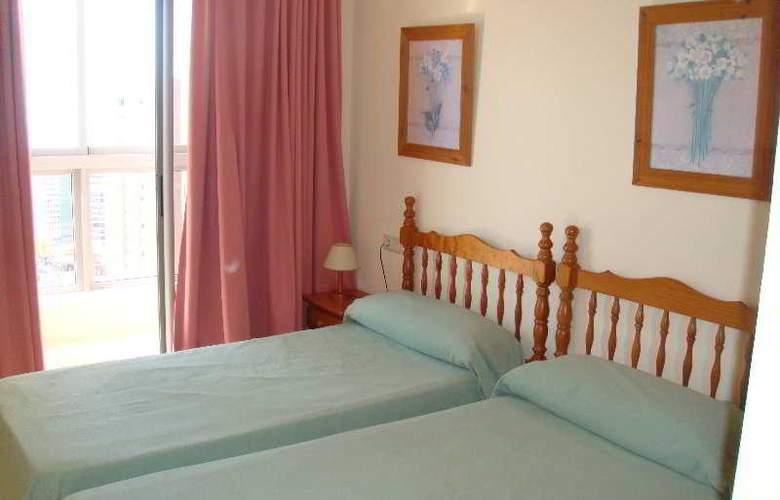 Apartamentos Gemelos XX Aloturin - Room - 5