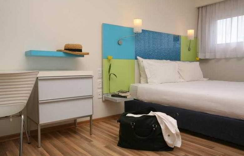 City - Room - 5
