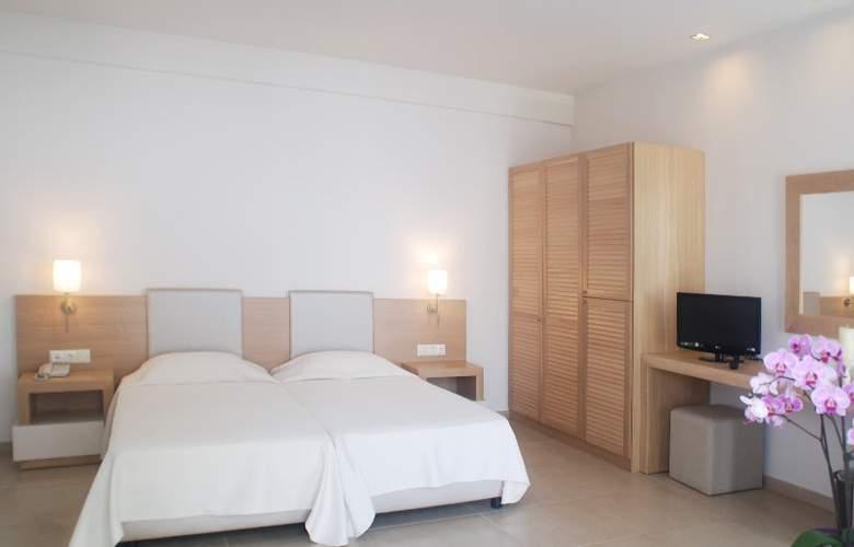 Maritimo Beach Hotel - Room - 1