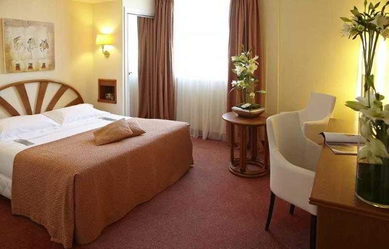 Plaza Nice - Room - 3