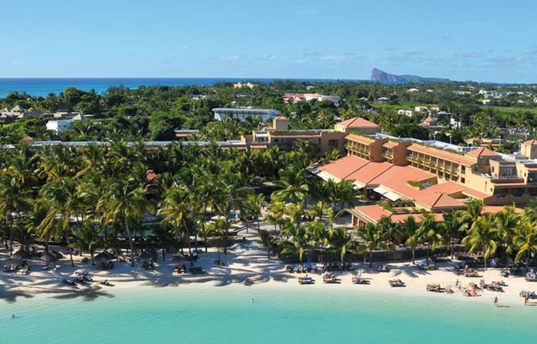Mauricia Beachcomber Resort & Spa - Beach - 3